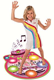 afbeelding van kind op de K3 dansmat