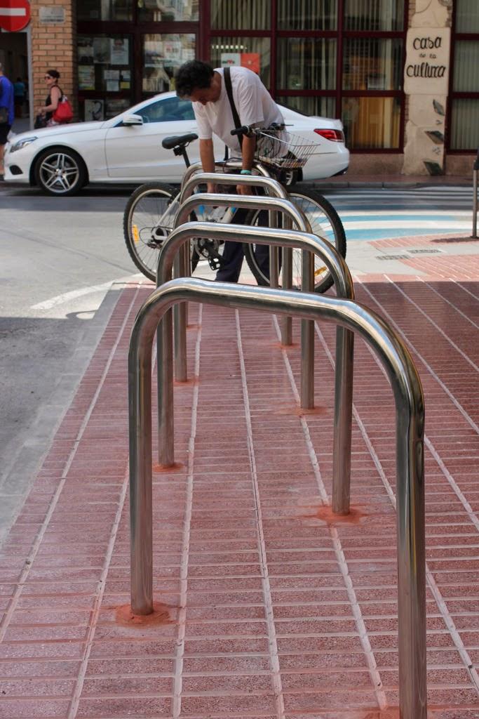 Ajuntament de santa pola oficina de comunicaci nuevos aparcabicis y reserva para movilidad - Oficina trafico elche ...