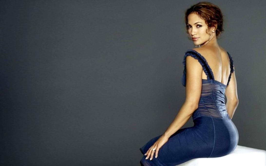 Jennifer Lopez (Wallpaper 2)