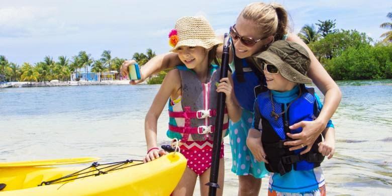 Tips: Menjaga Anak Bermain di Pantai