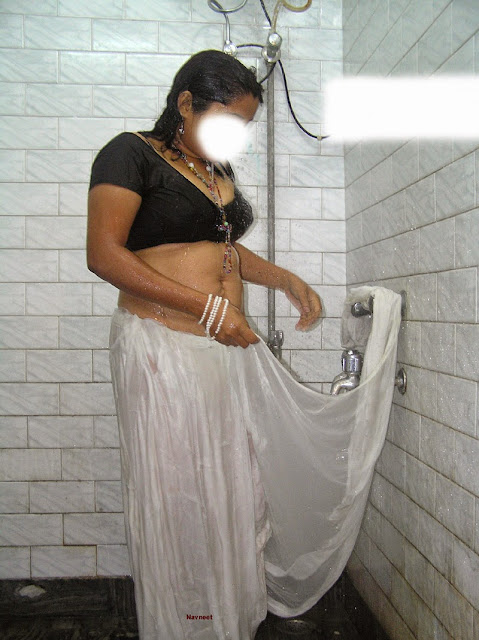 aunty wet breasts navel nude bath images   nudesibhabhi.com