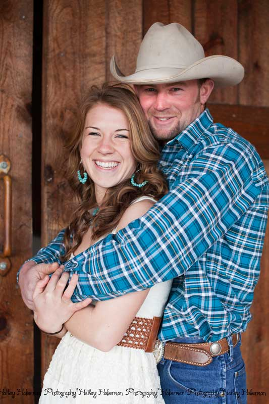 couple portrait, cowboy engagement session with Levi & Cara by Ellensburg Wedding Photographer Hailey Haberman
