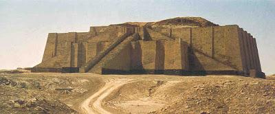 Ziqqurat costruzione templare tipica della religione babilonese, mesopotamica, assira , a forma di torre con piani sovrapposti decresenti