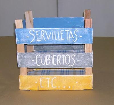 Reciclando cajas de frutas y verduras