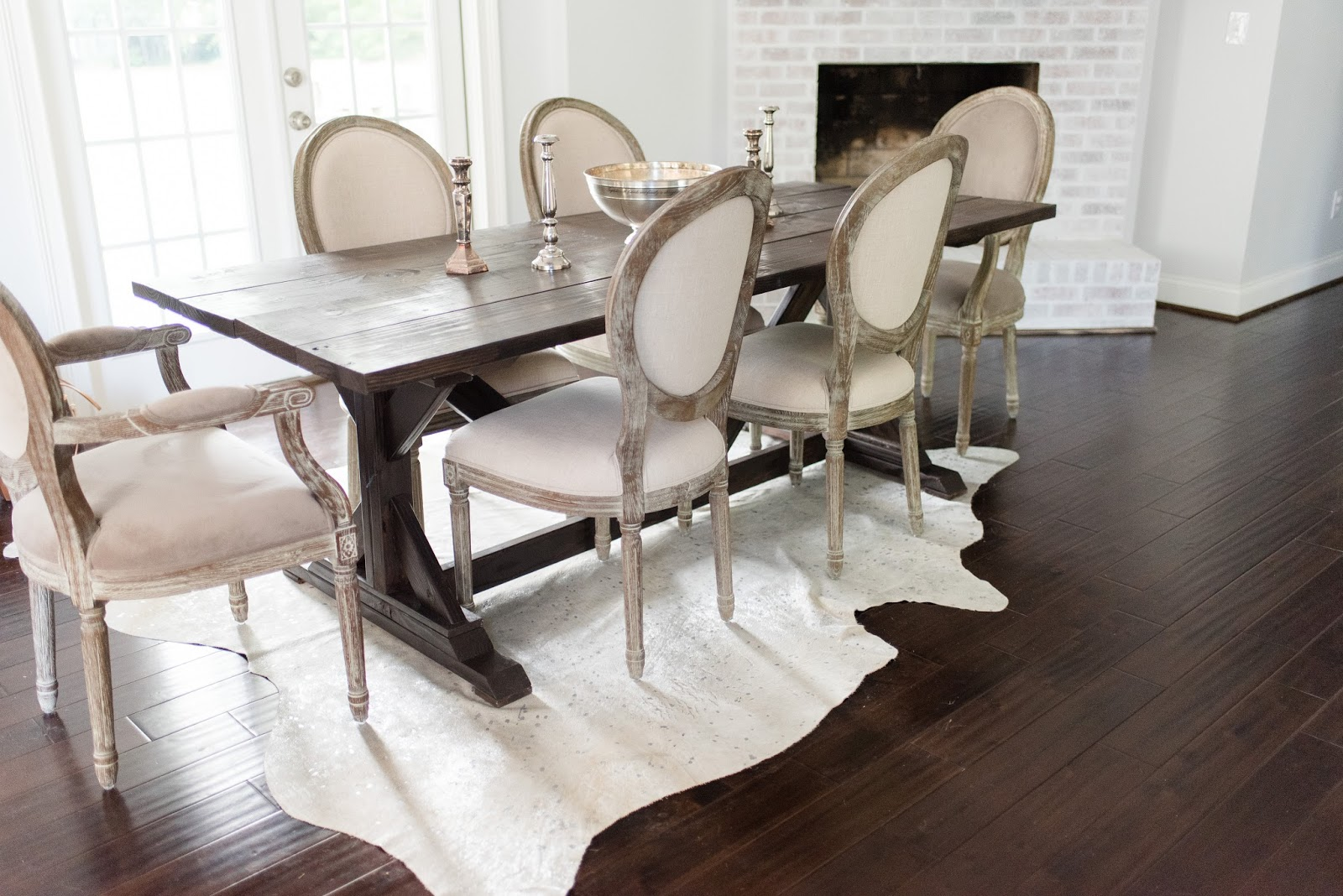 Different colored dining chairs - If You Look Closely You Can See That The Fabric Of The Chairs Is Actually Two Different Colors The Arm Chairs Are Grey Velvet And The Middle Seats Are An