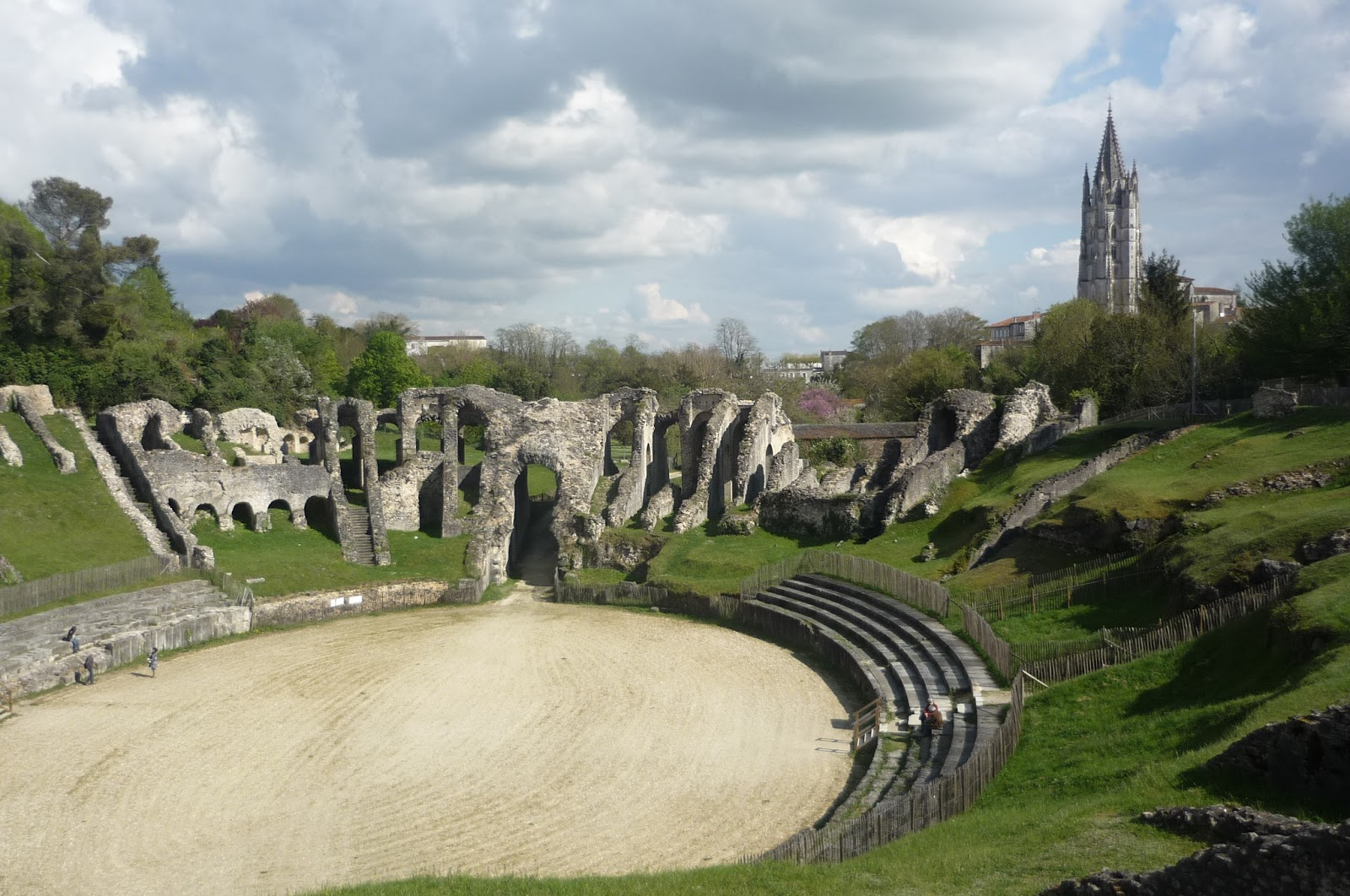 Saintes France  city photo : ... Gite with heated pool Charente Maritime France: Roman City of Saintes
