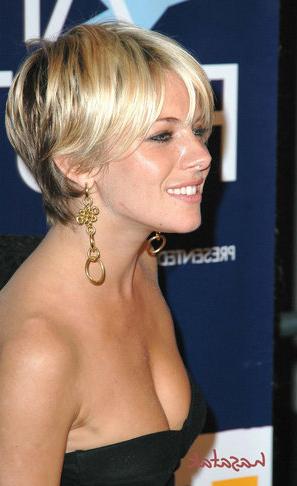 http://2.bp.blogspot.com/-raHpwGFAtkY/TmXWXkmVkYI/AAAAAAAAB40/MT_Ghr6AOOo/s1600/Short+Hairstyle+of+2011.PNG