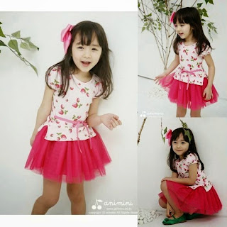 gambar anak memakai baju gaya korea pink