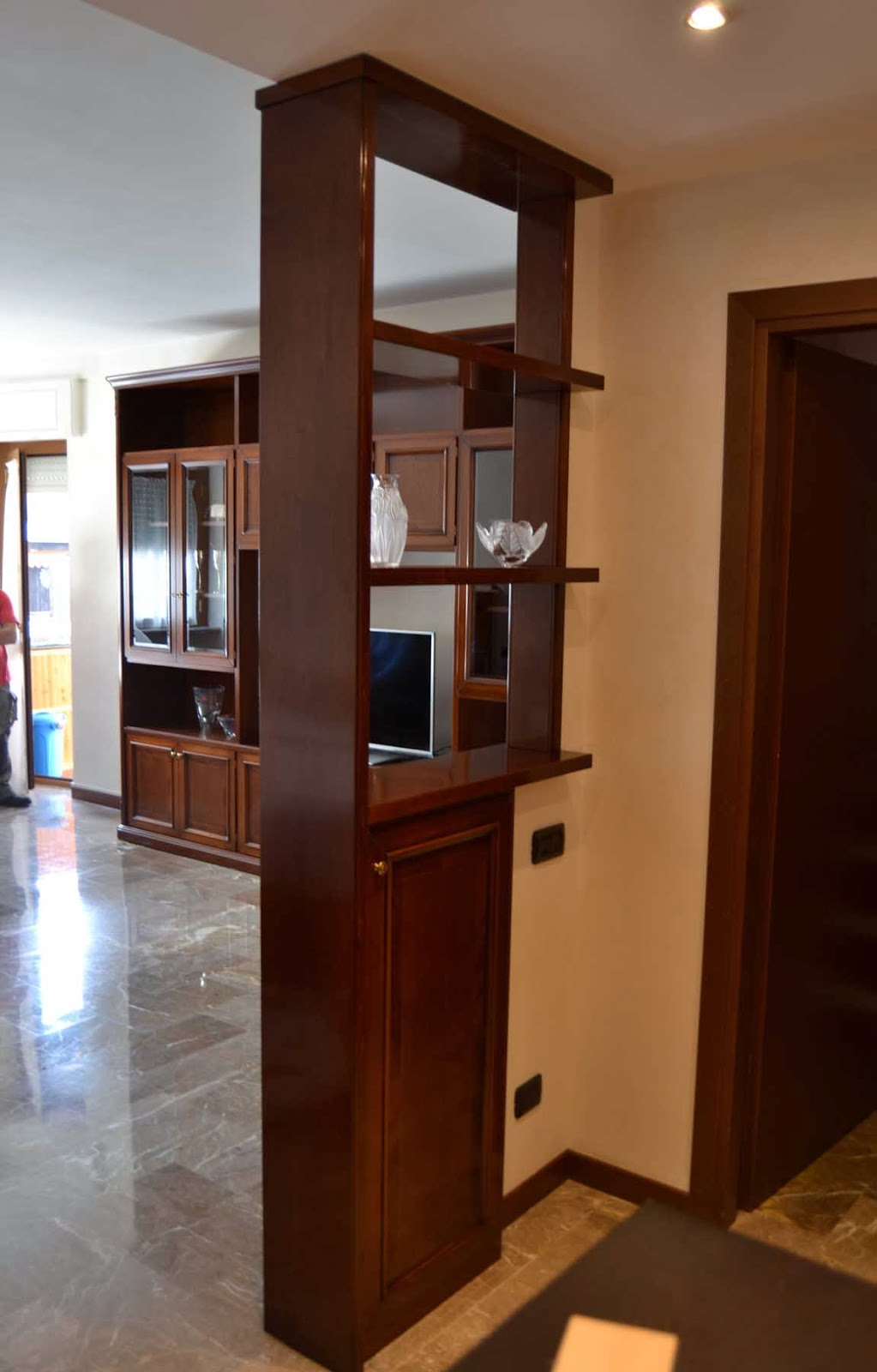 Soggiorno classico - Mobili divisori per soggiorno ...