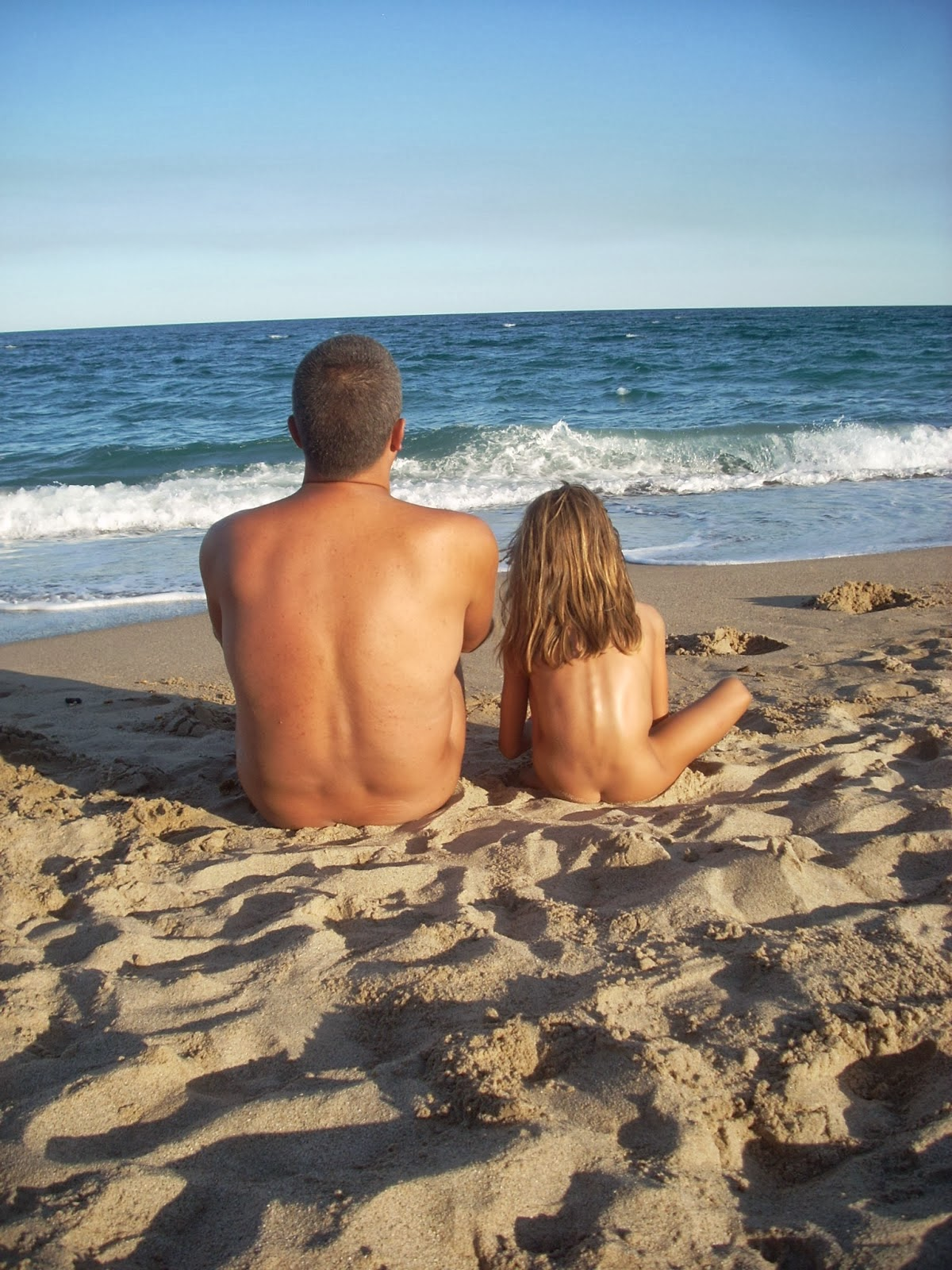 Pictures Of People On Nude Beaches