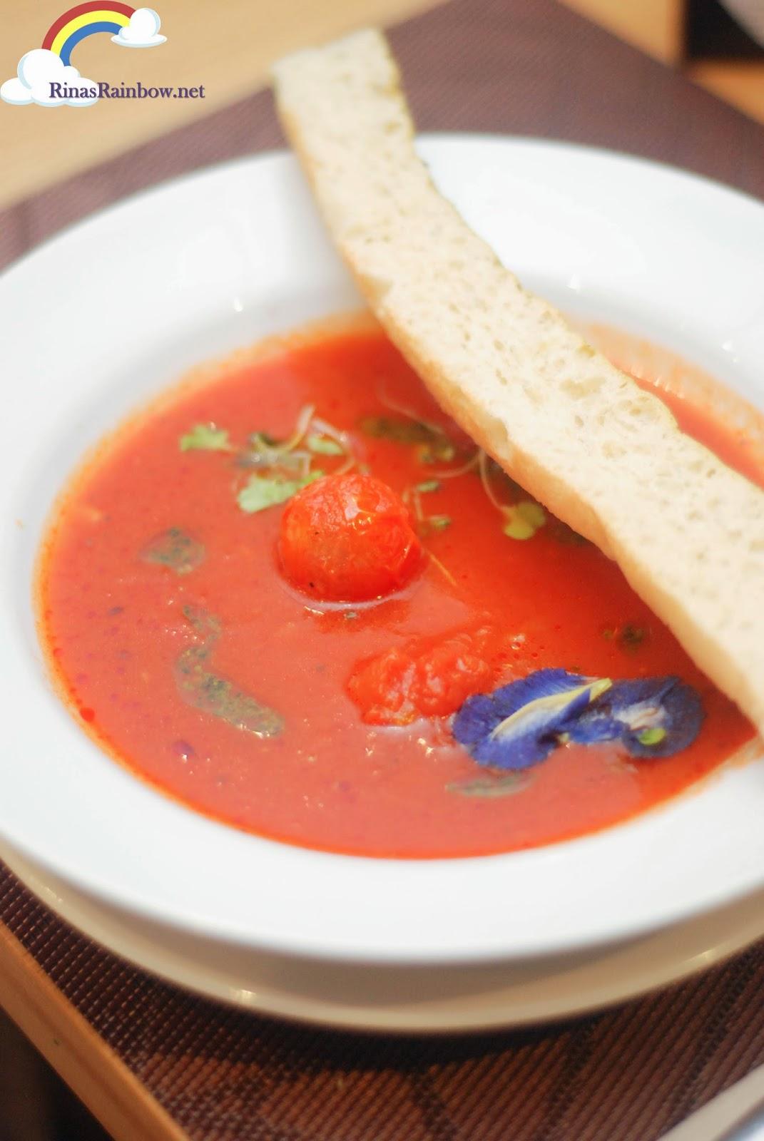 tomato and basil pesto soup