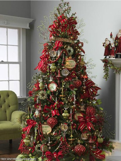 Beauty and the green christmas tree inspiration for Green christmas tree red decorations