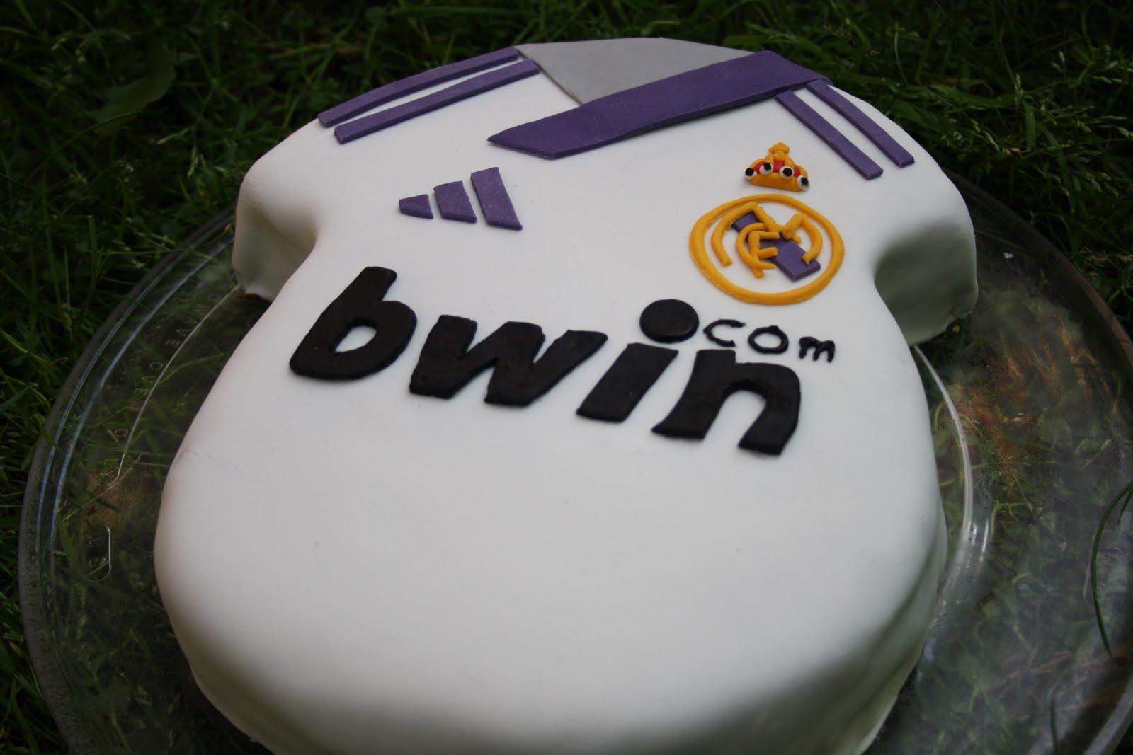 Real Madrid Fondant Cake