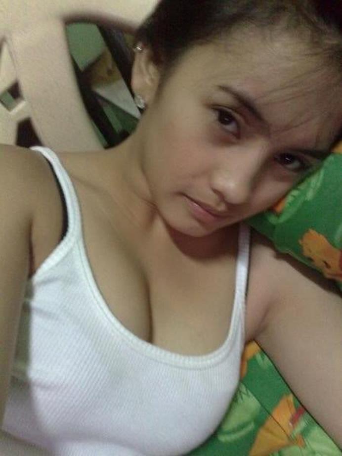 Awek Gebu Tetek Besar Sedang Sangap Seks melayu bogel.com