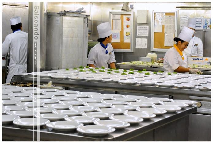 Salseando en la cocina: un tour por las cocinas del brilliance of ...