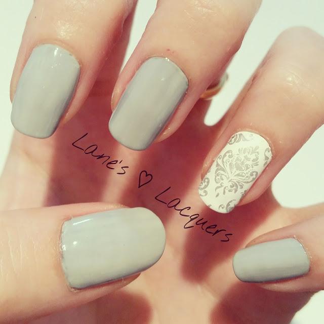 diy-inspired-grey-white-silver-floral-nail-art (1)