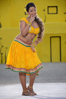 Ester Noronha in Spicy Chania Yellow Choli Stunning Bane Spicy Pics