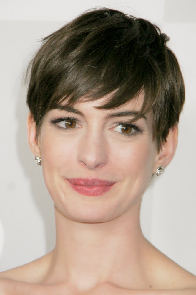 Short Hair Round Faces - Best Short Hair Styles