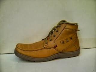Sepatu Kickers Booth WX kuning,sepatu gaya murah