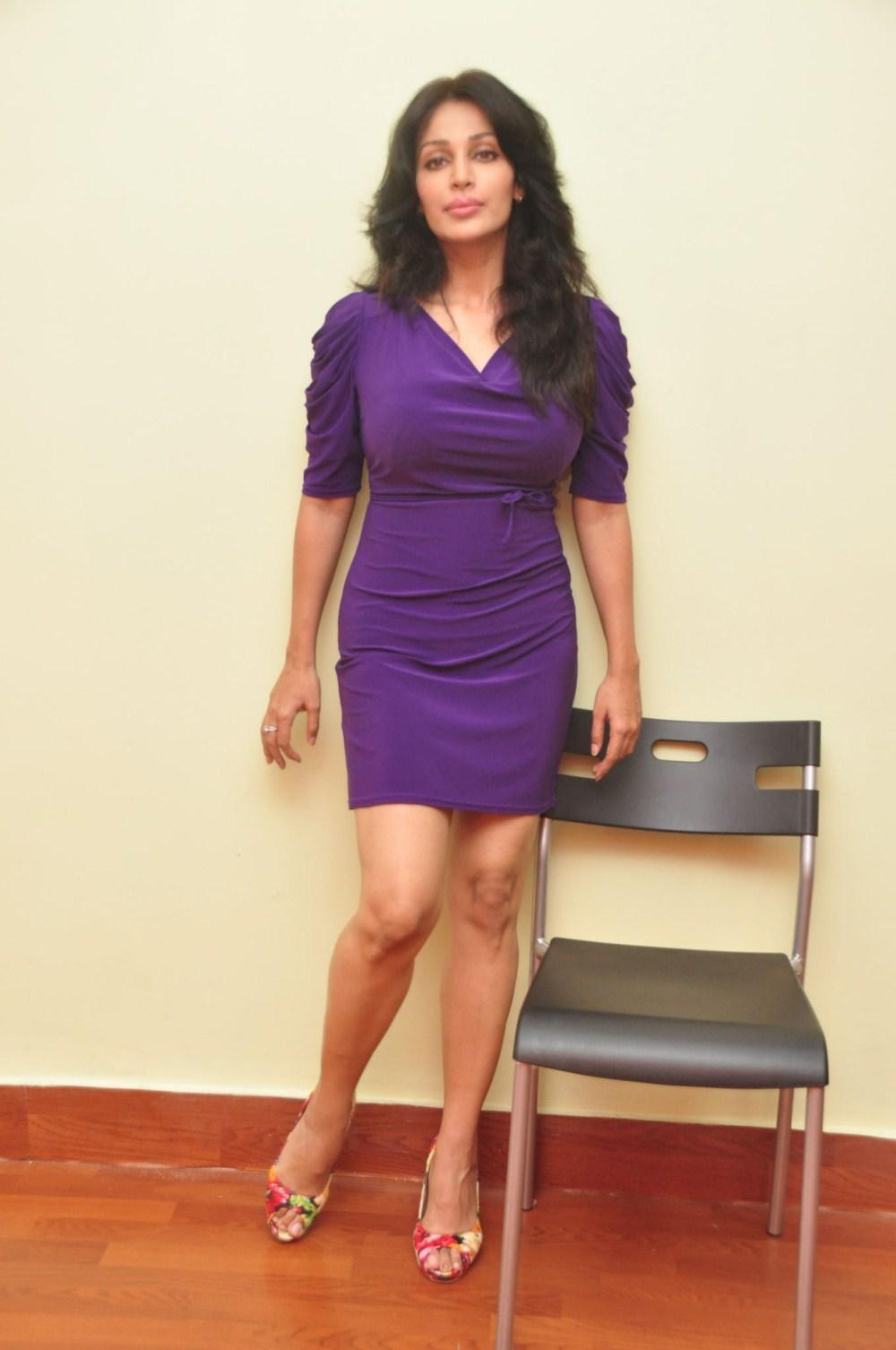Celebration for celebrities: Asha saini new look pictures
