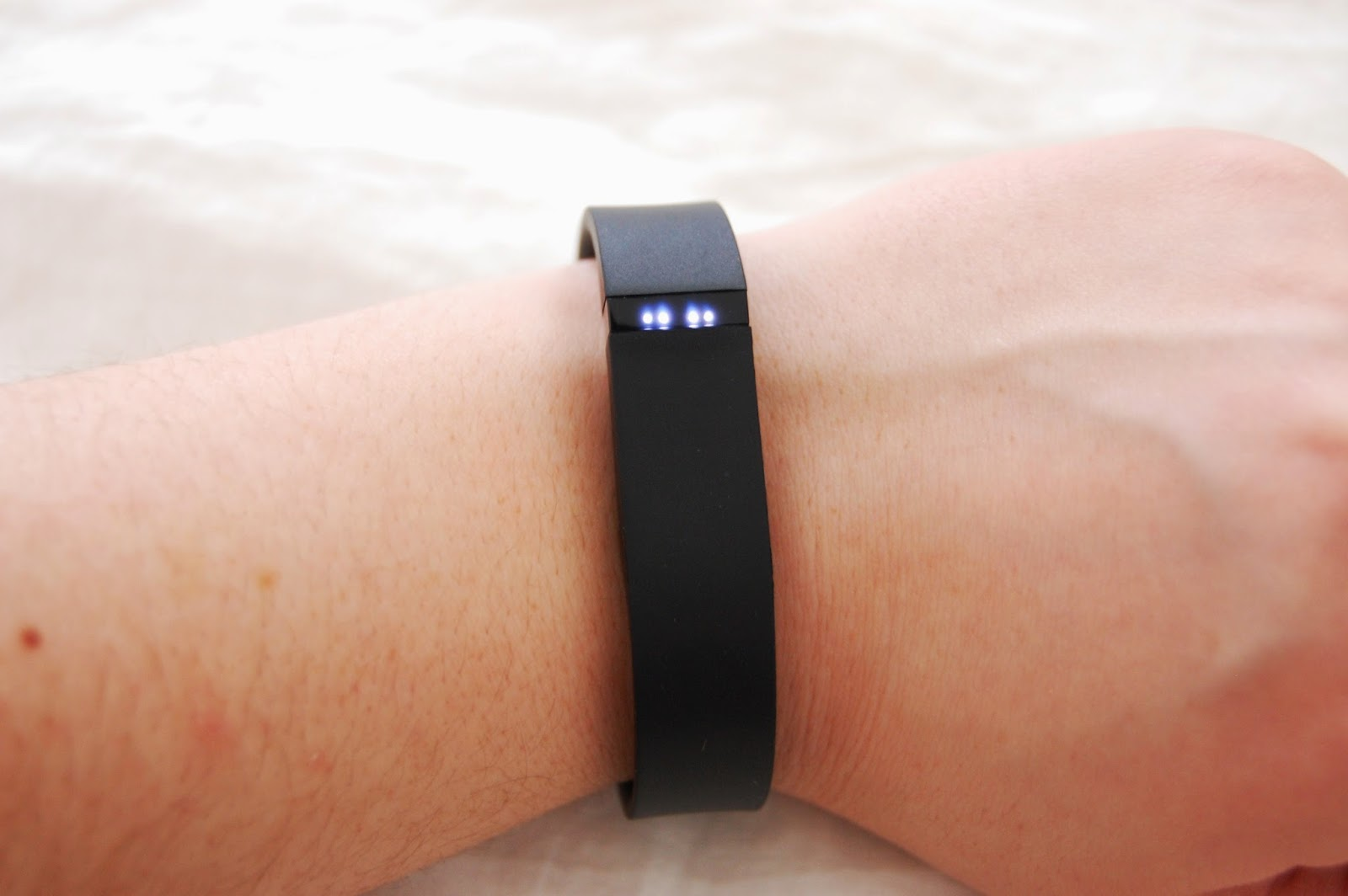 What Do 2 Flashing Lights Mean On The Fitbit | Share The ...