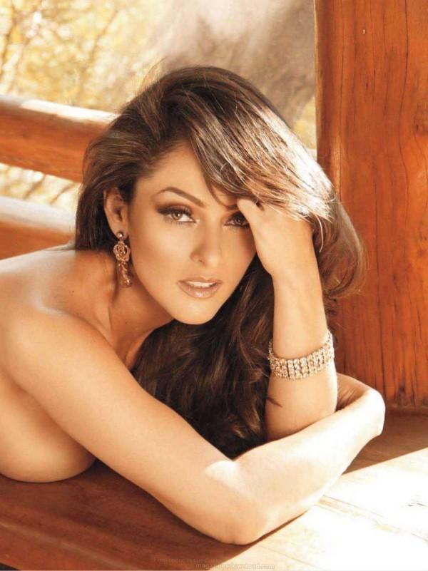 Playboy mexicana com morena gostosa pelada