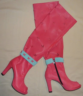 foto cu cizme de vara roz cu toc inalt