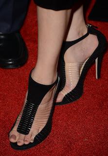 Celebrity Feet Elizabeth Banks