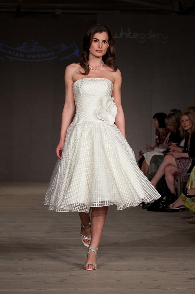 Unbelievable wedding tea length wedding dresses for Tea length wedding dresses online
