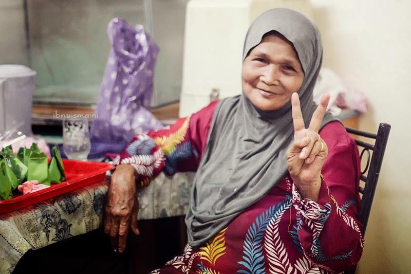 nenek, grandmother, samyang 35mm