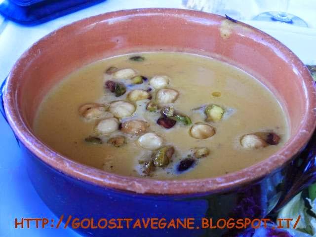 aglio, carote, ceci, cipolle, crema, nocciole, patate, ricette vegan, zucchine, zuppa, Zuppe,