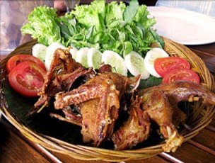 Makanan Enak Yang Hanya Ada di Manado, Makanan khas Lol