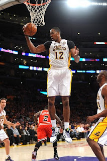 Howard leads Lakers over Bulls 90-81, LA Lakers,