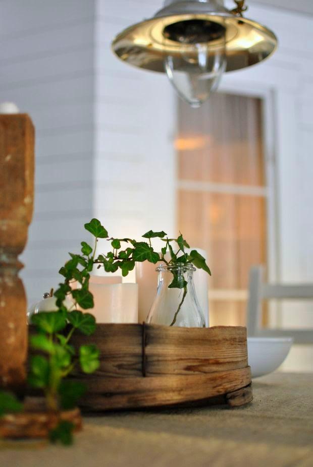 såll matbord kvist av murgröna skafferifönster