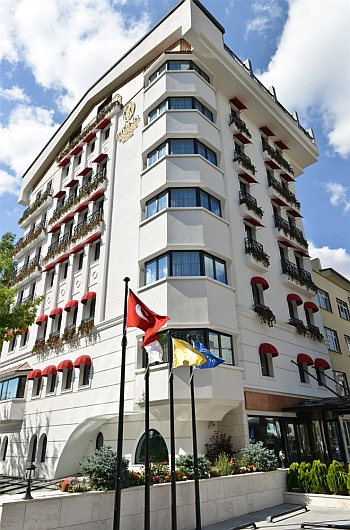 mona-hotel