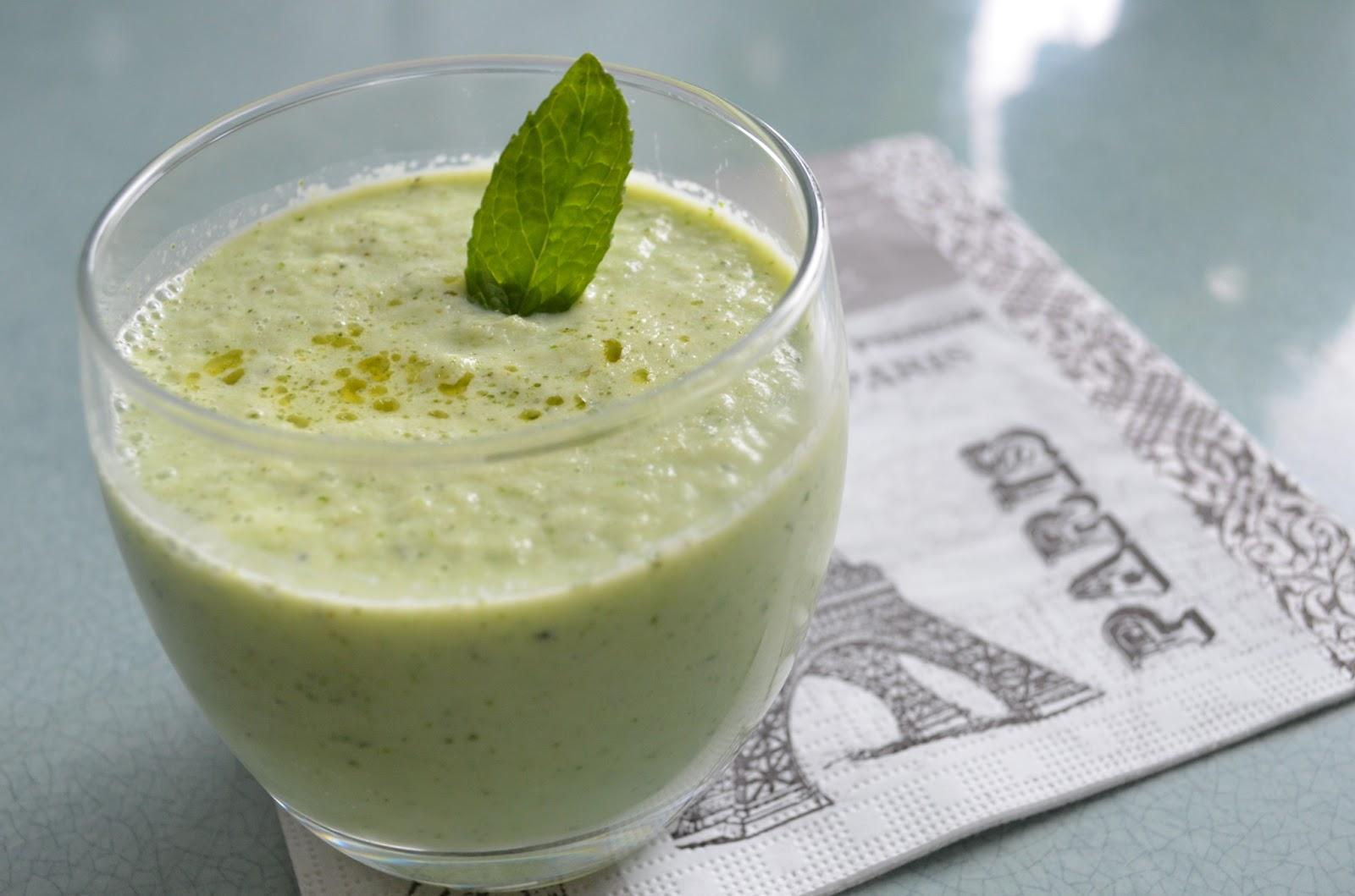 u me in the kitchen gaspacho de concombre la menthe cucumber mint cold soup. Black Bedroom Furniture Sets. Home Design Ideas