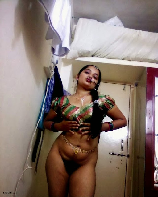 indian beauty sexy n hot bhabhi gaand show   nudesibhabhi.com