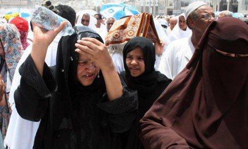 Meski Suhu 50 Derajat, Madinah Dipadati Jamaah Umrah