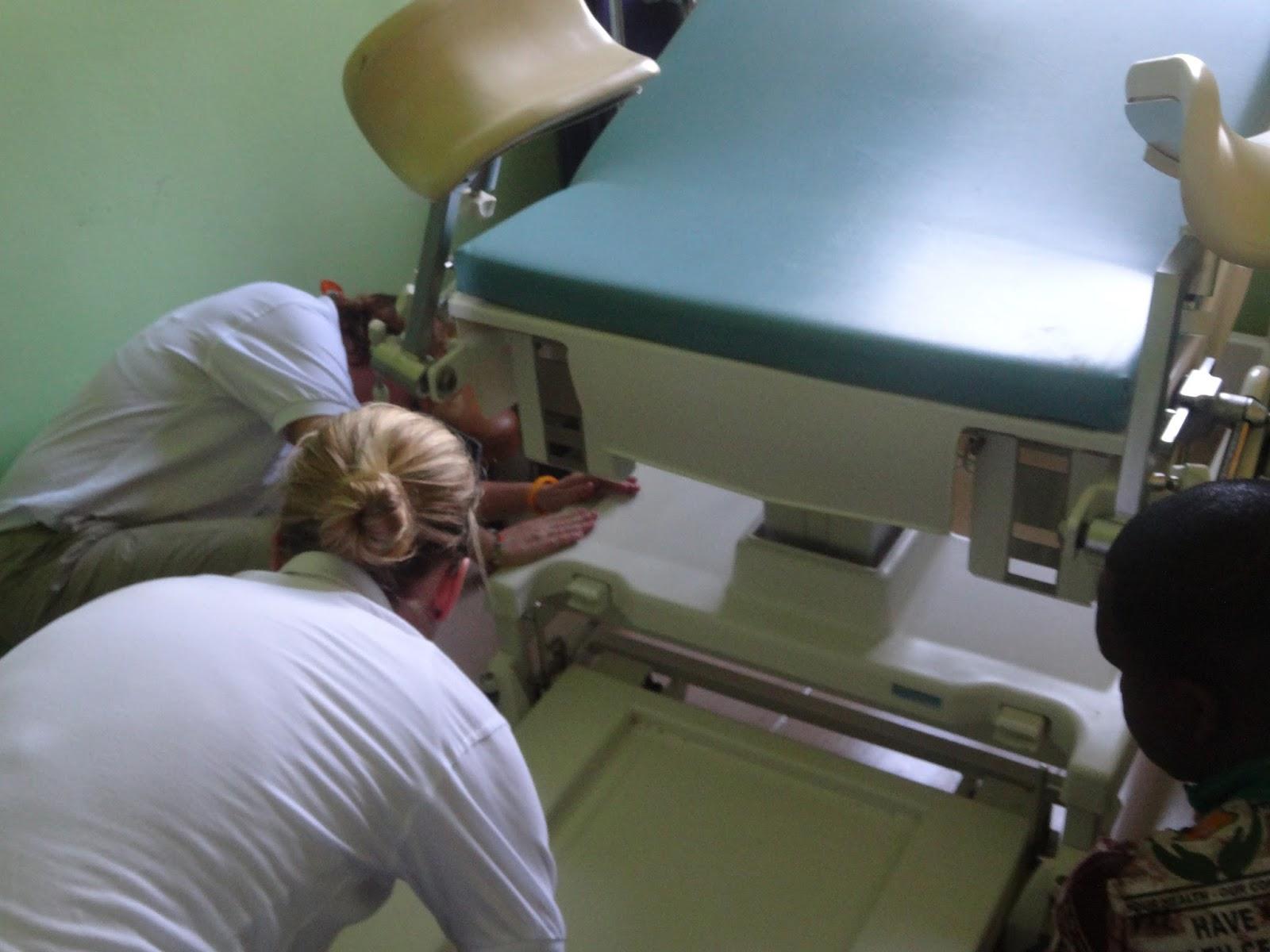 frauen auf dem gynstuhl klistiertherapie
