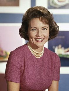 BETTY WHITE (1922-PRESENT)  ACTRESS - COMEDIAN