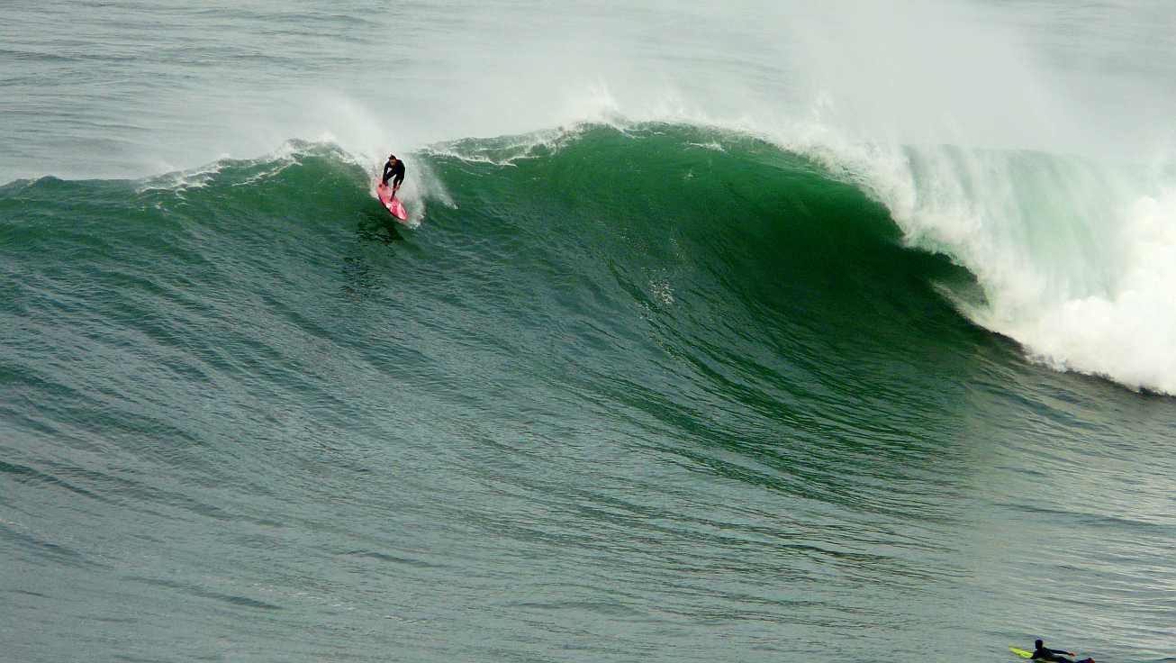 surf menakoz diciembre 2015 olas grandes 26b