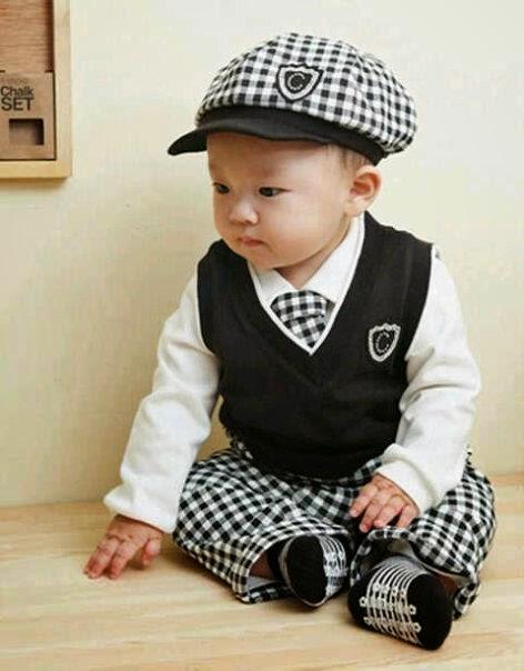 gambar bayi laki-laki keren pakai topi
