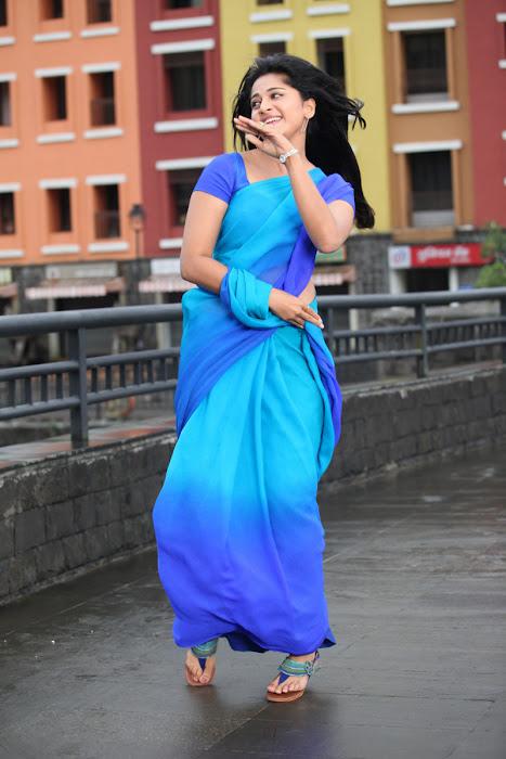 anushka new from mirchi glamour  images