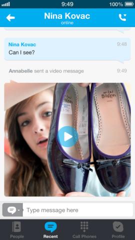 Nell'ultima versione di Skype per iOS sono state introdotti i video messaggi gratuiti e illimitati oltre a miglioramenti generici