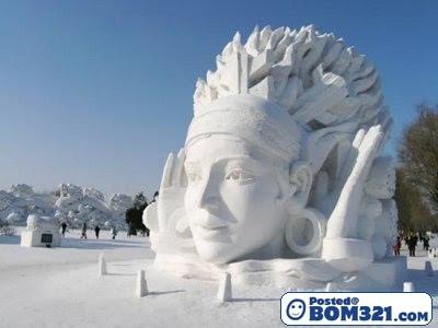 Seni Ukiran Dari Salji