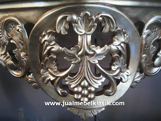 Supplier Indonesia classic furniture wooden carved console table mahogany from Jepara furniture supplier gold painted