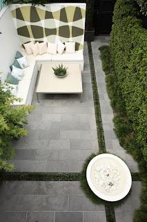 Gradina minimalista contemporana - constructii zona lounge