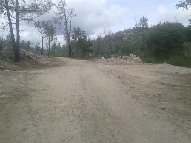 Estrada de terra batida