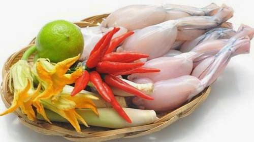 Strange foods in Vietnam - Frog