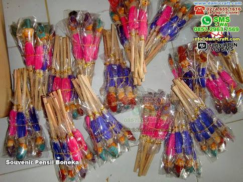 Souvenir Pensil Boneka Kayu Kediri